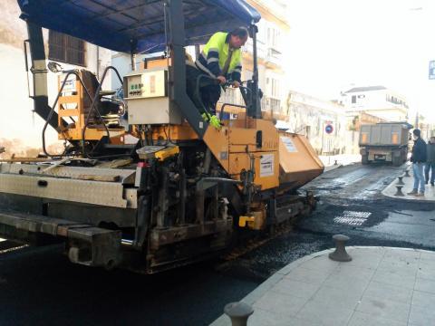imagen del asfaltado de la calle Banda Playa (foto Mariqui Romero)