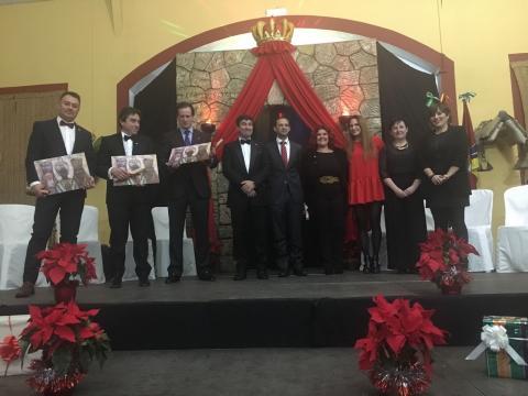 Víctor Mora junto a la Orden de los RRMM y sus majestades 2016-17