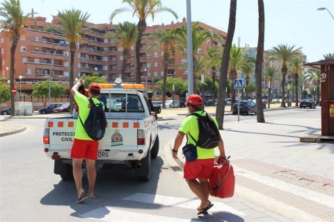 Voluntarios de Protección Civil, el pasado verano.
