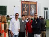 El hermano mayor de la Borriquita junto a Juan Oliveros y otros componentes de la citada Hermandad (Foto: Mariqui Romero)