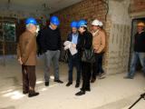 El alcalde visitó la futuras instalaciones de la residencia de adultos en la Sala del Agua. (Foto: Nicolás G. Becerra)
